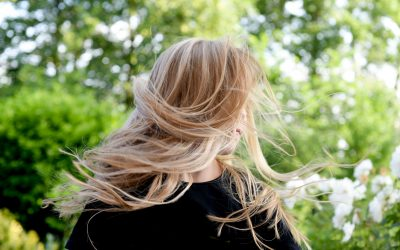 Essential Tips For Taming Frizzy Hair